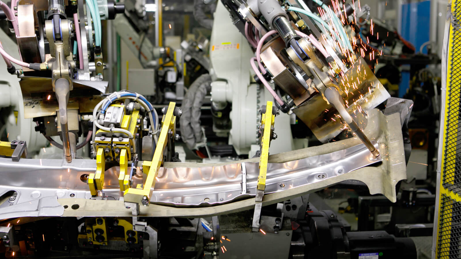 センターボデーピラーの溶接ライン